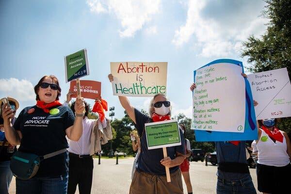 Ley contra el aborto en Texas: ofrecen 10 mil dólares a quien denuncie interrupción del embarazo