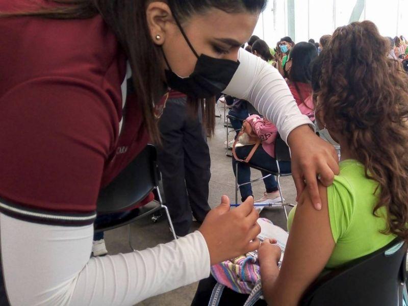 Van 262 menores vacunados contra covid-19 tras suspensiones: asociación de magistrados
