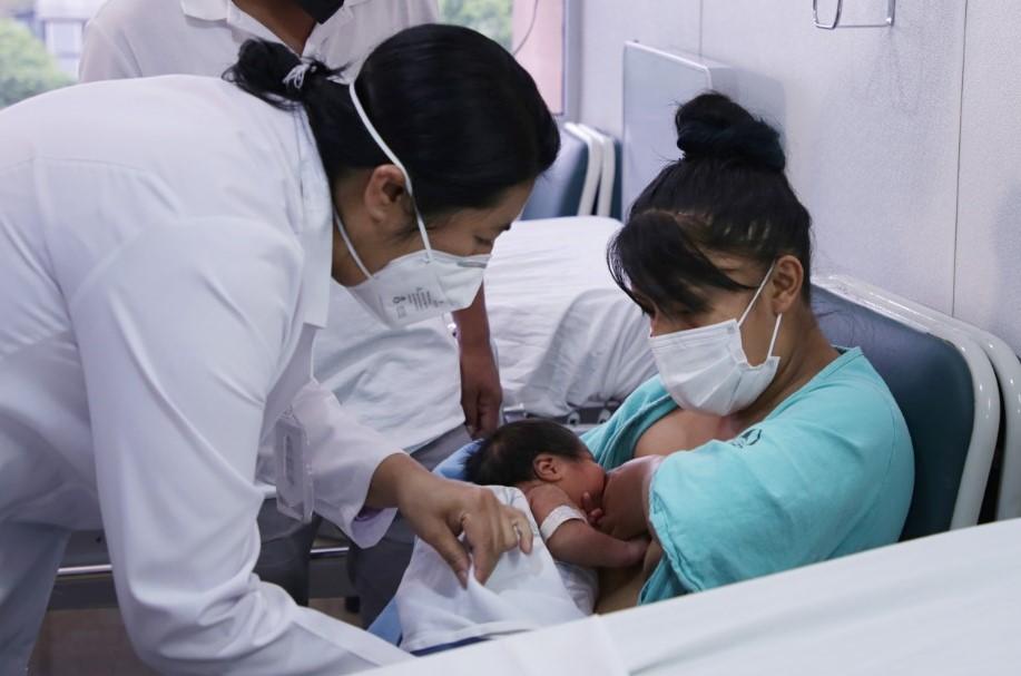 Promueve IMSS Coahuila lactancia materna aún en pacientes que padecen COVID-19