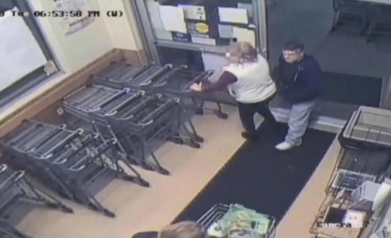 Depravado inyecta semen con una jeringa a mujer; la atacó en un supermercado