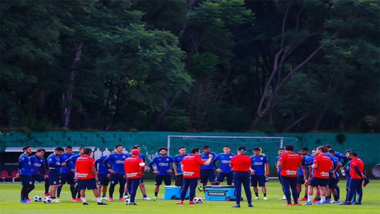Chivas ya entrena bajo las órdenes de Marcelo Leaño
