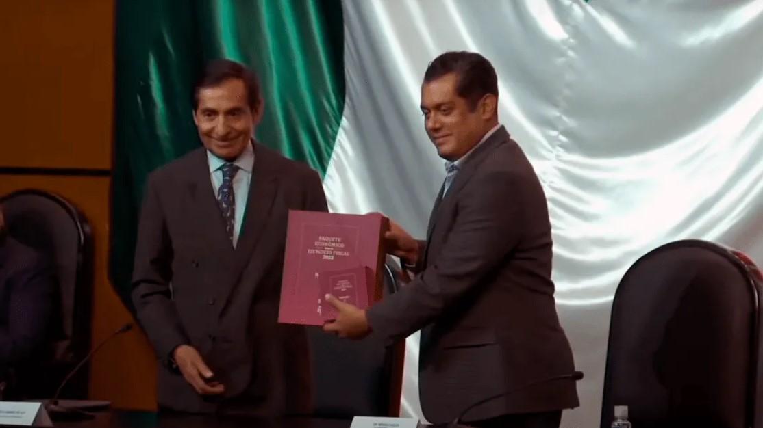 'El 2022 será de recuperación': Secretaría Hacienda entrega Paquete Económico del próximo año