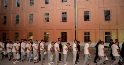 Internos de Penal de Topo Chico habrían usado software espía para extorsionar, reveló 'El Bronco'