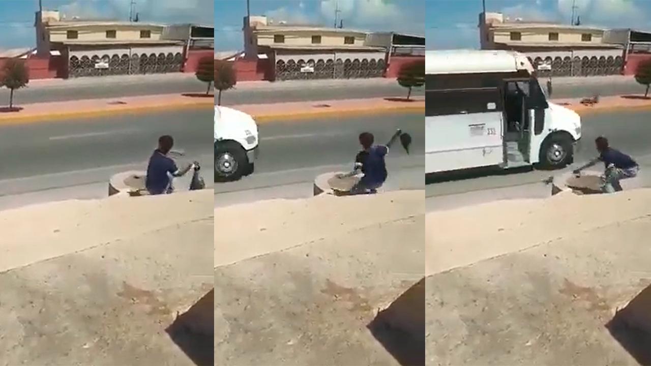 Niño lanzó gallina dentro de camión de pasajeros en Coahuila