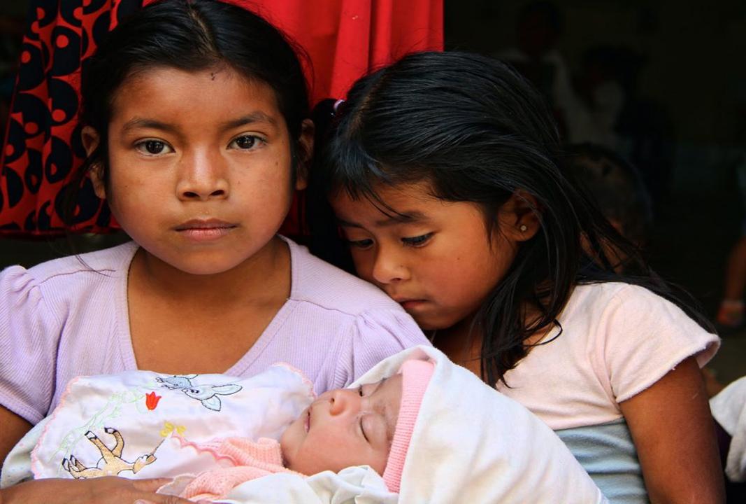 Oaxaca va contra el matrimonio infantil; aprueban 15 años de cárcel a quien promueva casarse con menores