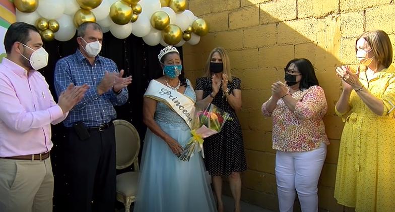 Coronan a la Princesa Estatal de los Adultos Mayores, la Sra. Delia Alicia Rodríguez Guillén, originaria de Frontera.