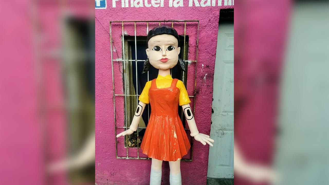 Piñatería Ramírez lo vuelve a hacer: Crean piñata inspirada en personaje de 'El Juego del Calamar'