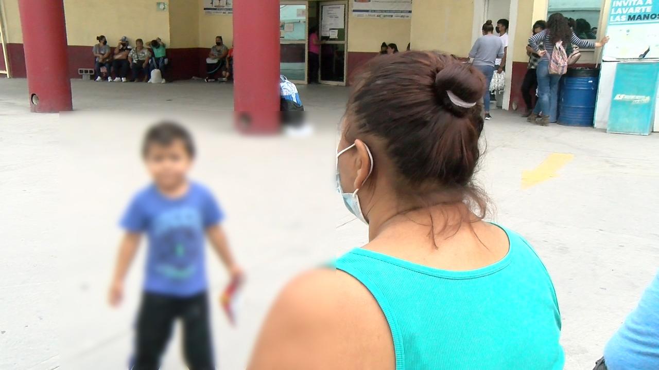 Ex pareja la atacó por celos…ella mal herida, solo preguntaba por su hijo más pequeño que ¿dónde estaba?, ya después se la llevó la ambulancia al hospital en Monclova