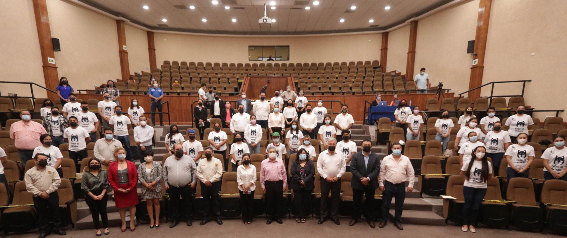 Rector de la UAdeC Toma Protesta a los Comités de Lobos al Rescate en la Unidad Norte