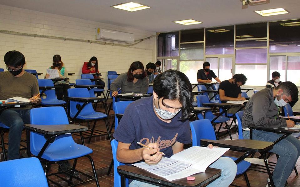 Universidad Carolina en Saltillo suspende clases presenciales; detectan brote de COVID-19 en alumnos y maestros
