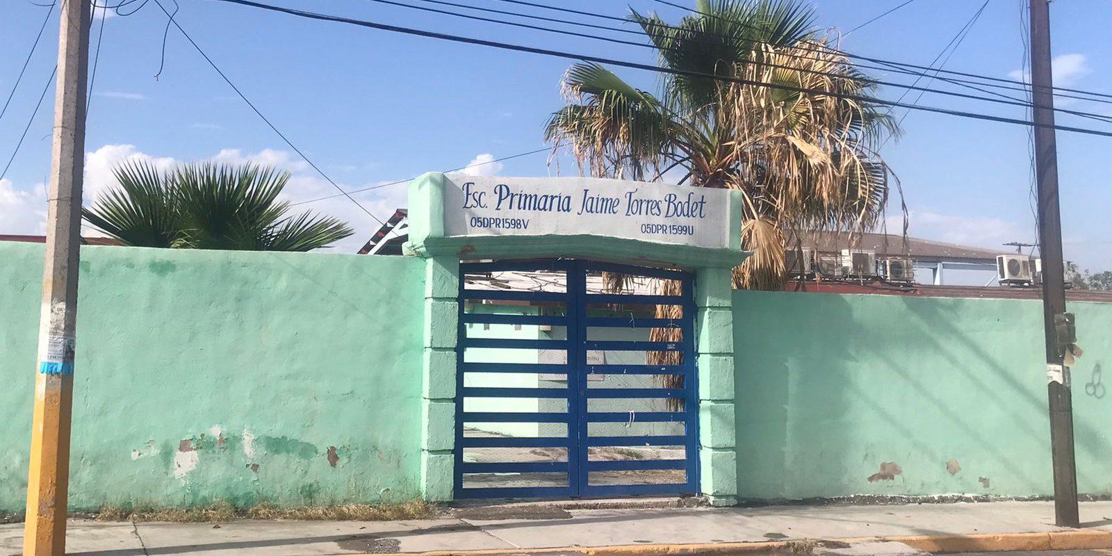Cerco sanitario en la Primaria Jaime Torres Bodet de Monclova, 2 alumnos y 2 padres de familia con COVID-19, hay 8 alumnos con síntomas y un intendente