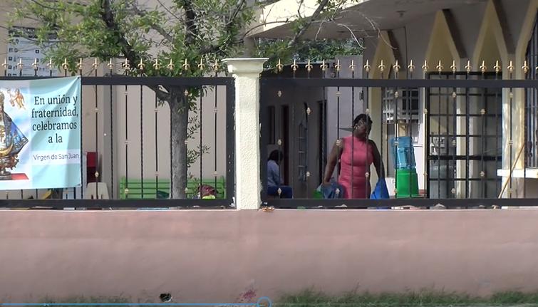 Recibe Iglesia de Frontera a 50 haitianos