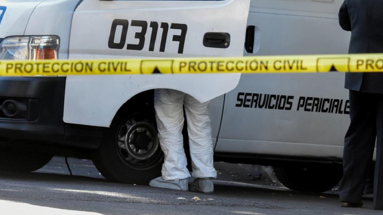 Jovencita asesinó a su hermanito de 9 años: lo apuñaló mientras veía la televisión
