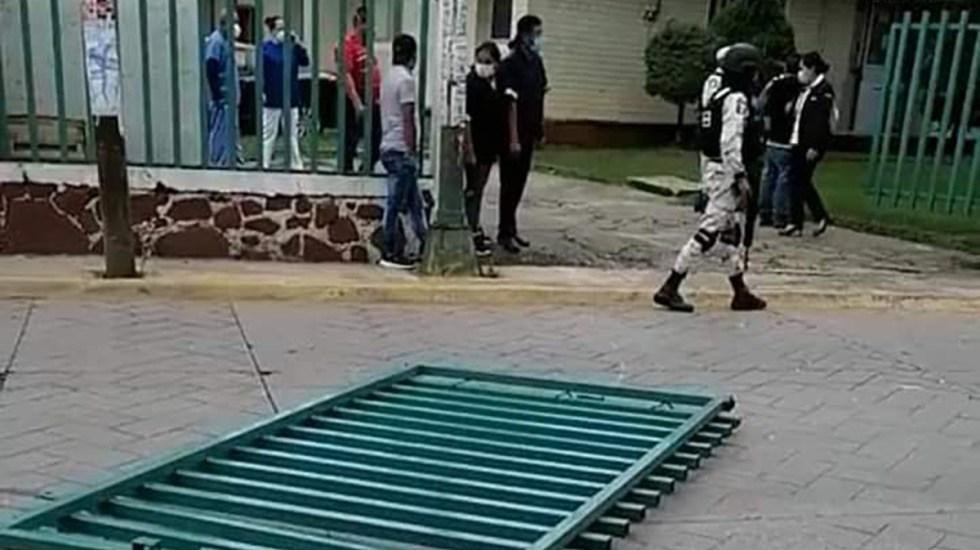 Hombre con COVID-19 roba auto y escapa de hospital en Valle de Bravo