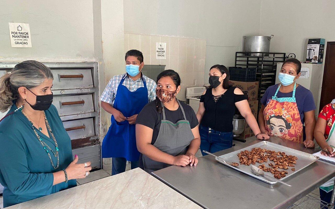 Se retoman talleres de repostería y dulce tradicional en San Buenaventura