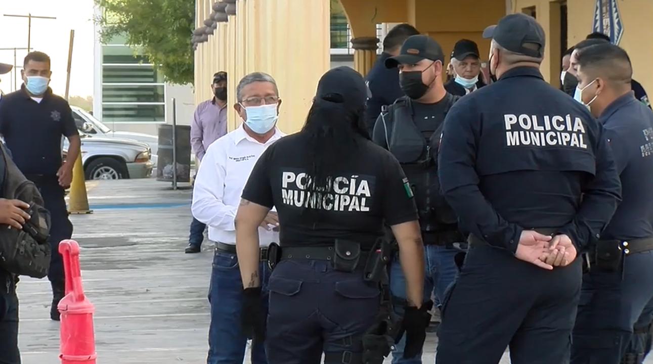 Elementos de la Policía de Frontera se manifiestan por cambio de turno y de RT.