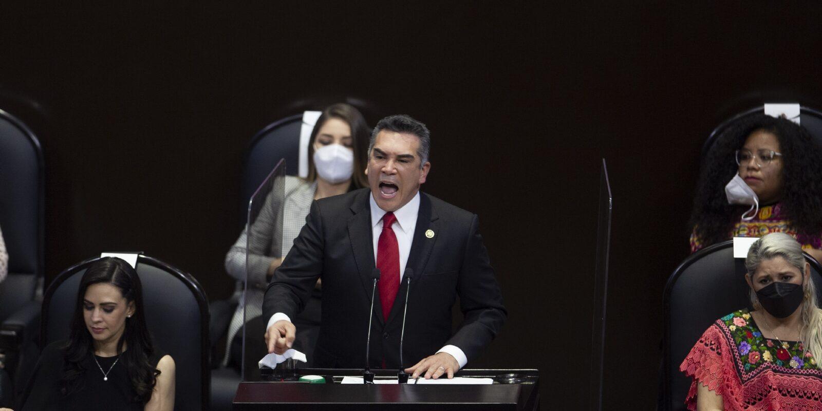 'Al PRI nadie lo presiona, ni el gobierno ni nadie': Alito rechaza declaraciones de Claudia Ruiz Massieu