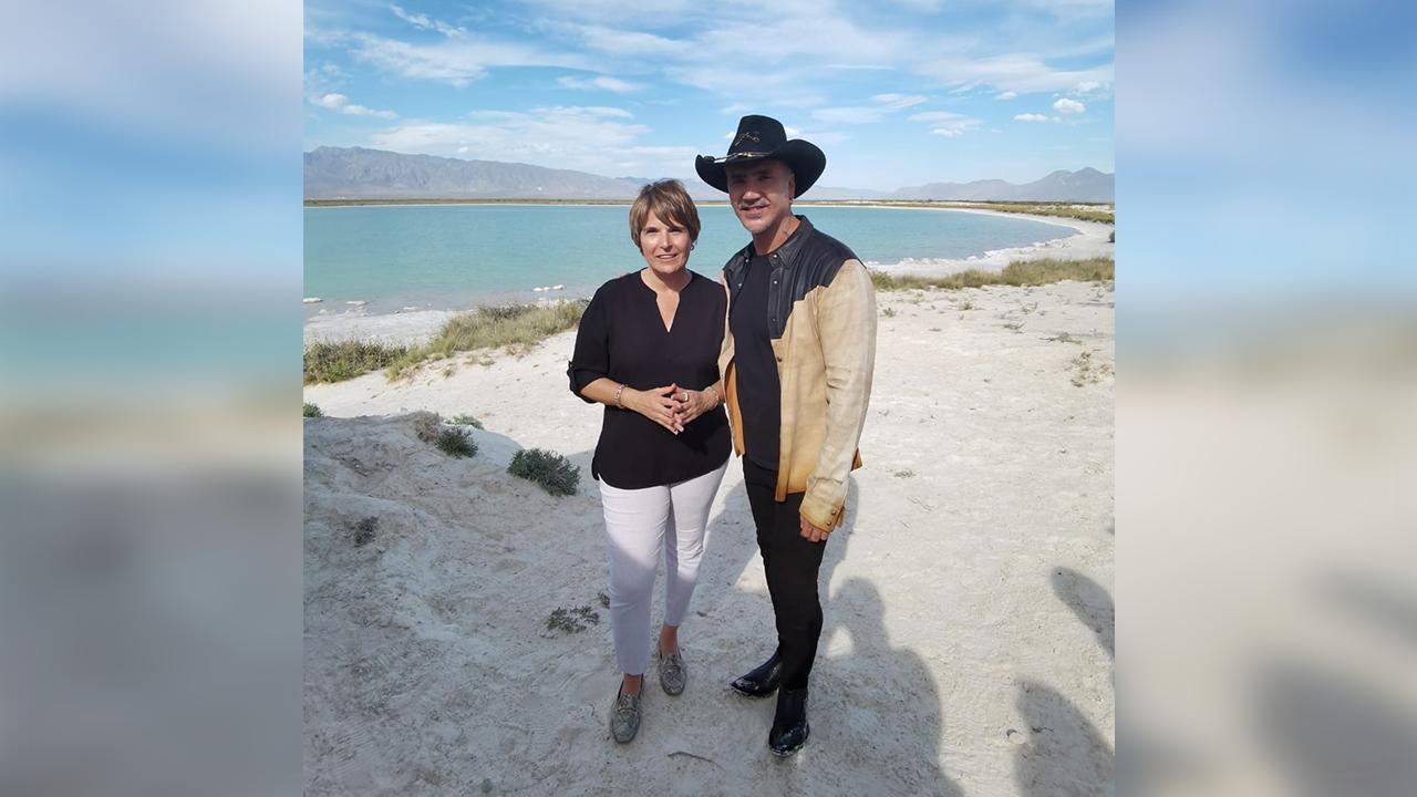 Alejandro Fernández visitó Cuatro Ciénegas: Grabará escenas para su nuevo video musical