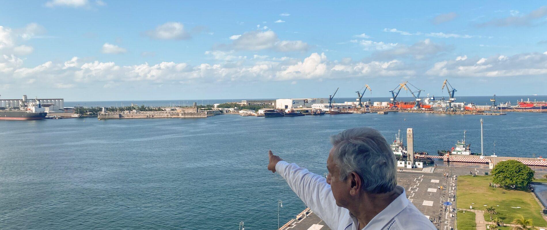 'Es algo bellísimo que está en el abandono': AMLO instruye a la SEDENA restaurar fuerte de San Juan de Ulúa