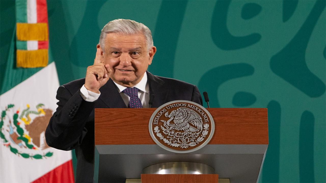 Firmará López Obrador acuerdo para regularizar los 'autos chocolate'