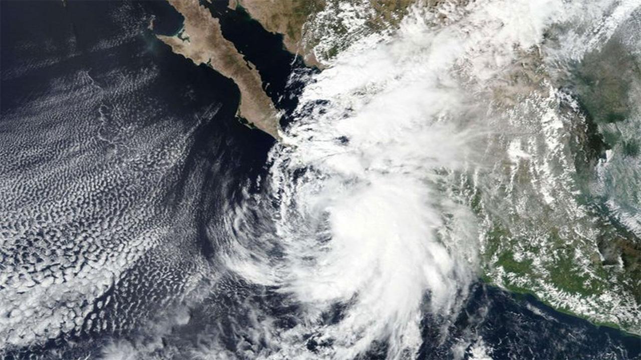 Huracán 'Pamela' toca tierra en Sinaloa