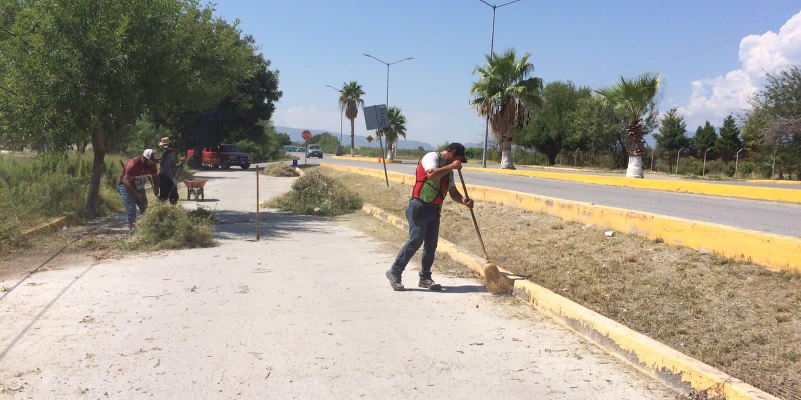 Limpian calles y avenidas de San Buenaventura