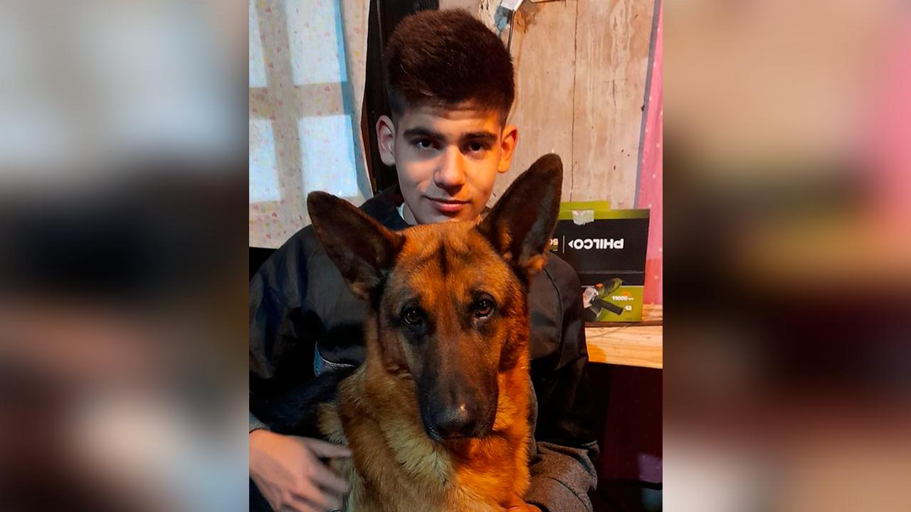Iván, de 17 años, murió afuera de su casa; asaltante lo apuñaló para robarle su bici