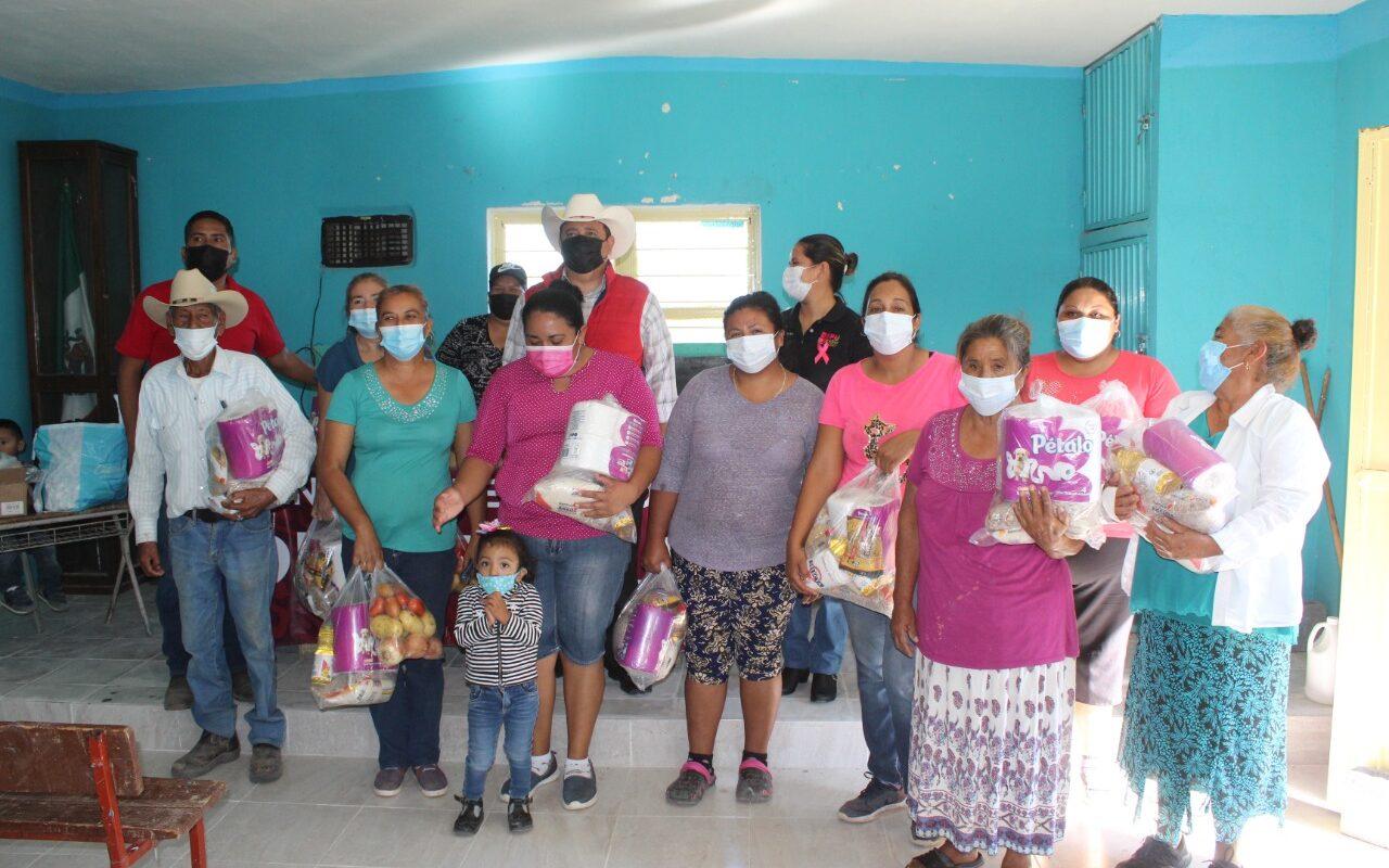 Llevan Brigadas del DIF Castaños al Ejido Palo Blanco
