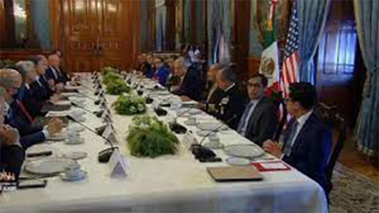 López Obrador encabeza reunión con funcionarios de EU