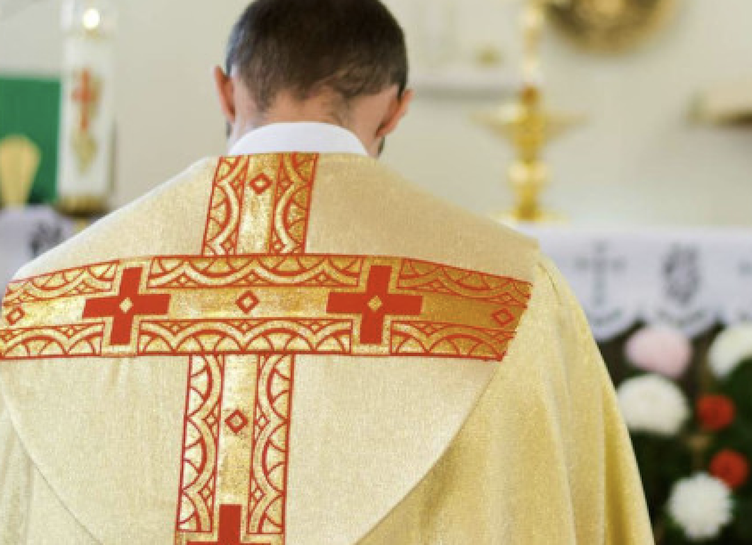 Miles sacerdotes de la Iglesia Católica abusaron sexualmente de 330 mil menores; la mayoría eran niños
