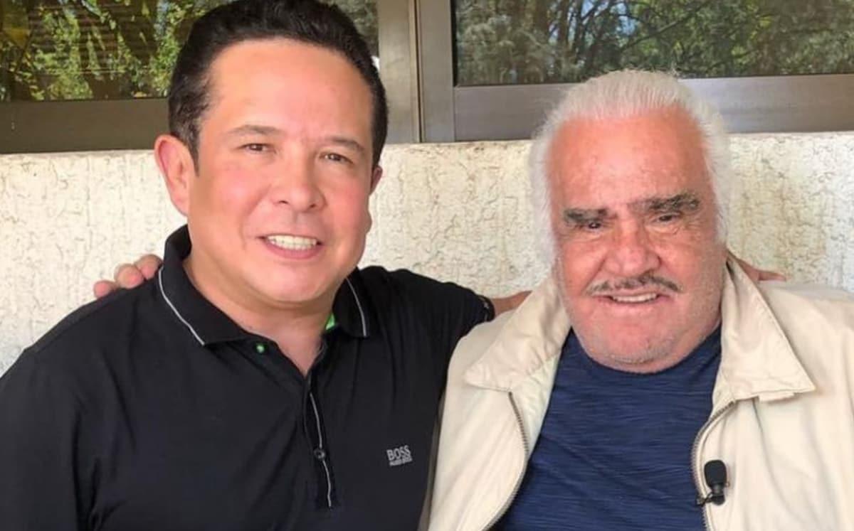 Ni Vicente Jr., ni Alejandro, ni Cuquita van desconectar a Chente Fernández', aseguró Gustavo Adolfo Infante