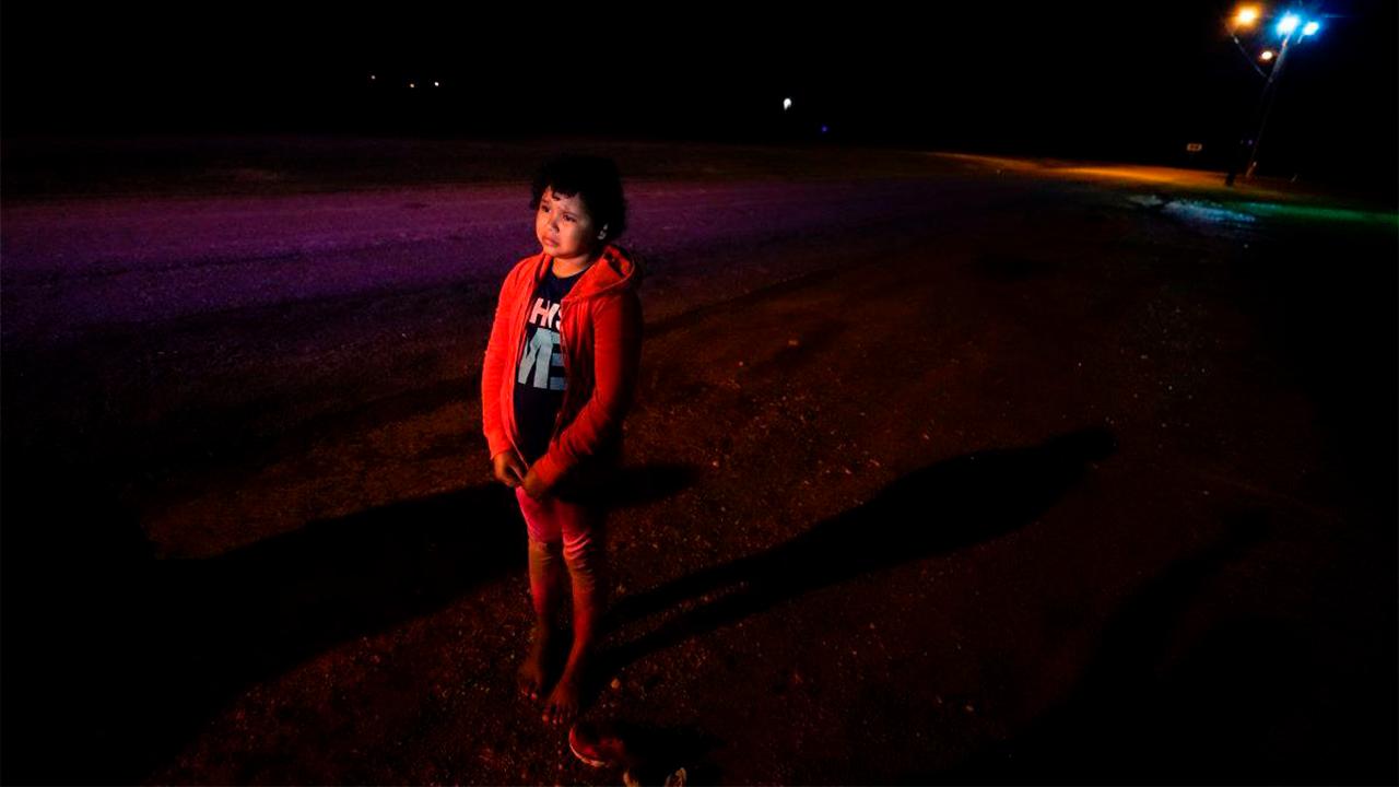 Niña de 5 años intentó entrar a EU por el Puente Internacional II: Su mami la esperaba del otro lado