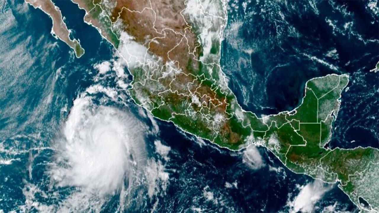 'Pamela' se convierte en huracán frente a costas de Jalisco