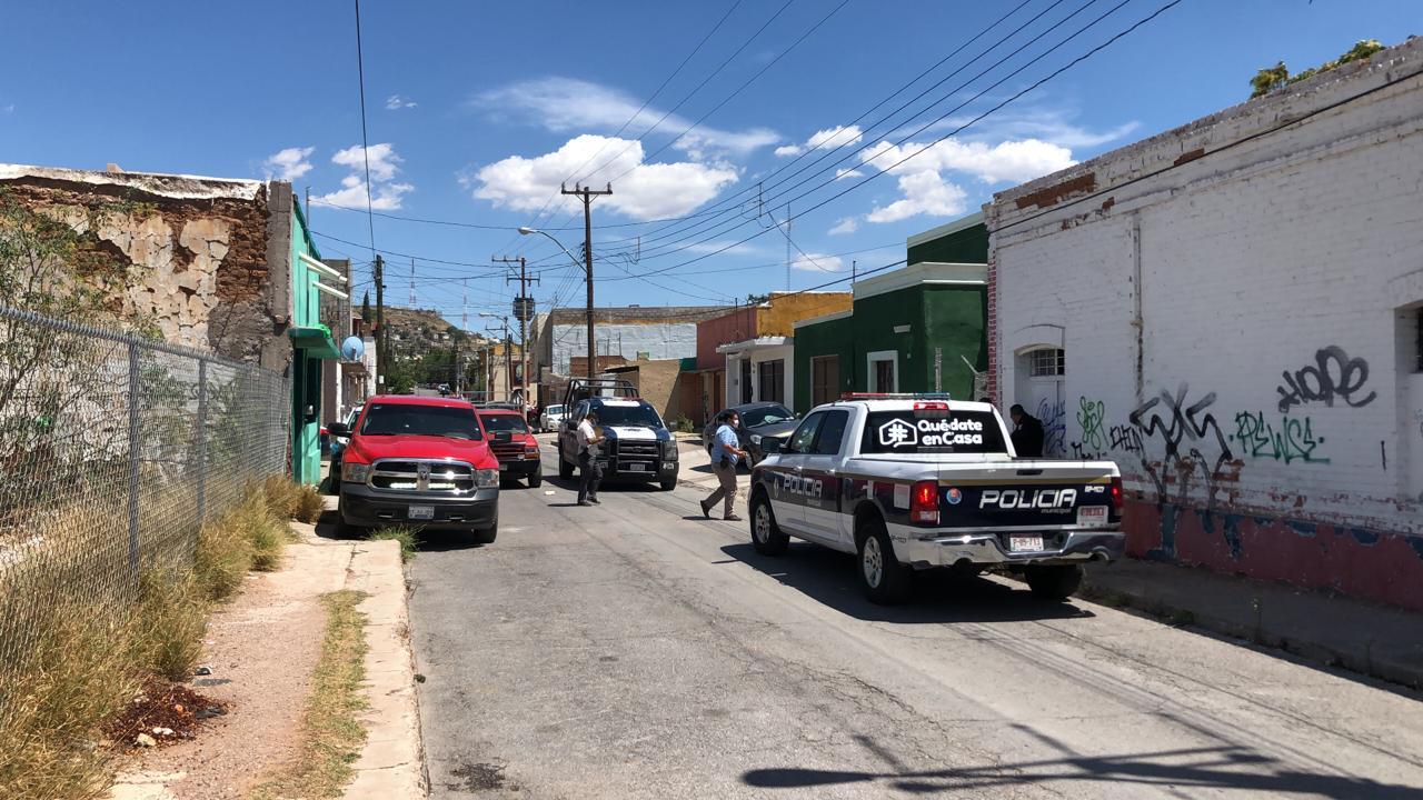 Vecinos encuentran cuerpo putrefacto en casa en ruinas en Coahuila