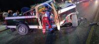 Queda prensado tras chocar su camioneta contra arbotante en Puente vehicular del Bulevar Pape de Monclova; ingresa grave al hospital