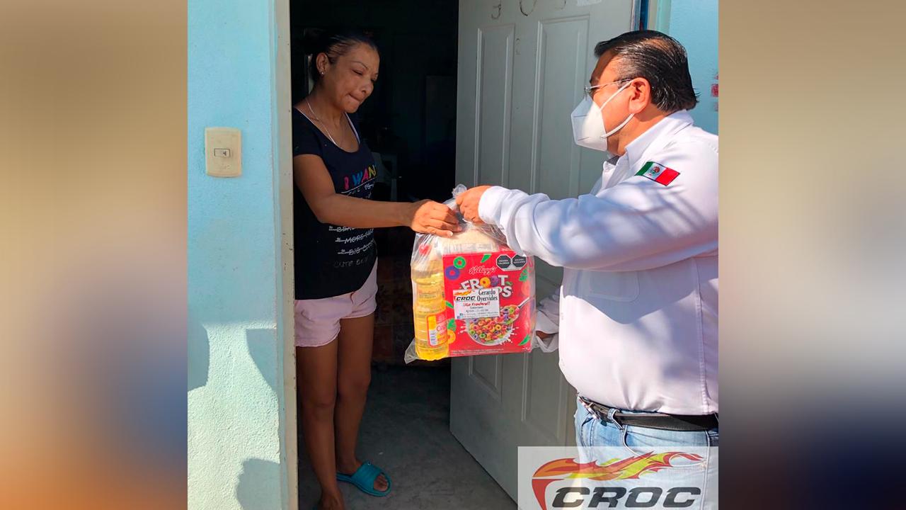 Continúa la CROC apoyando a la gente de Frontera; entregaron ayuda alimentaria