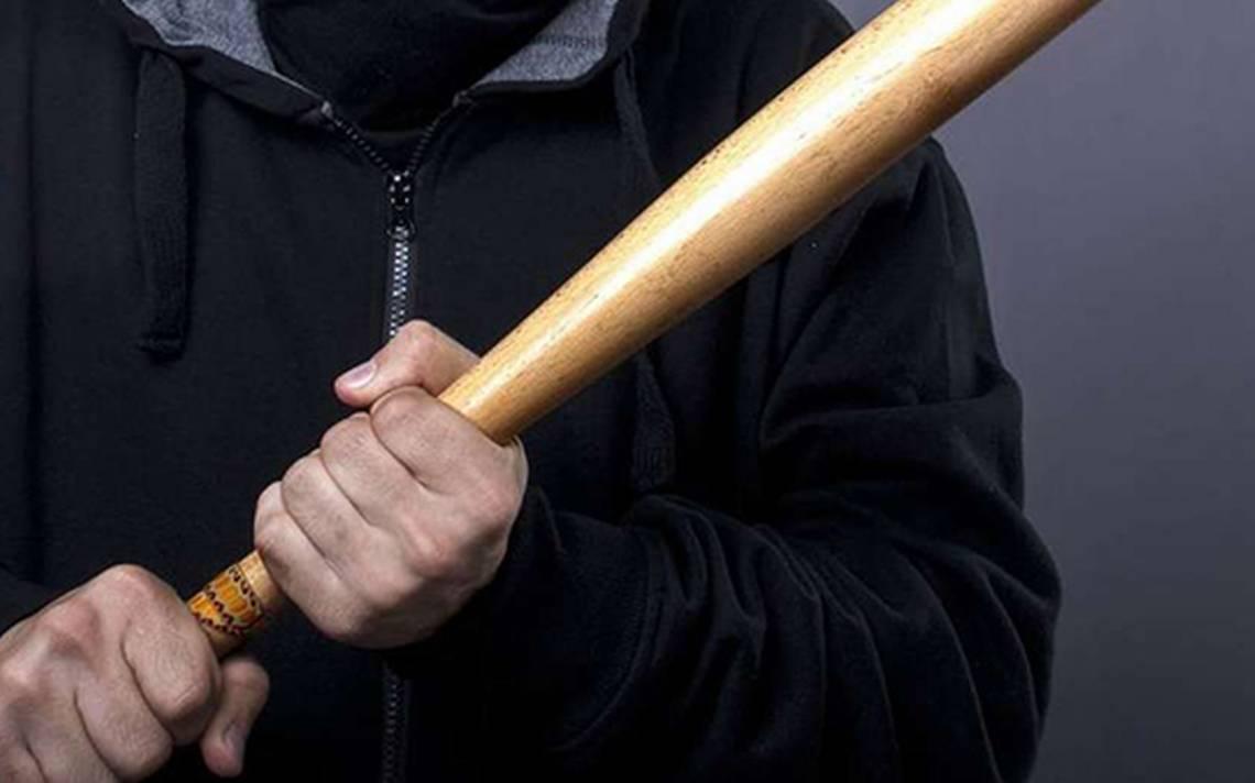 Fronterense recibió 'batazo' tras ser acusado de robo: Lo dejaron tirado en un charco de sangre