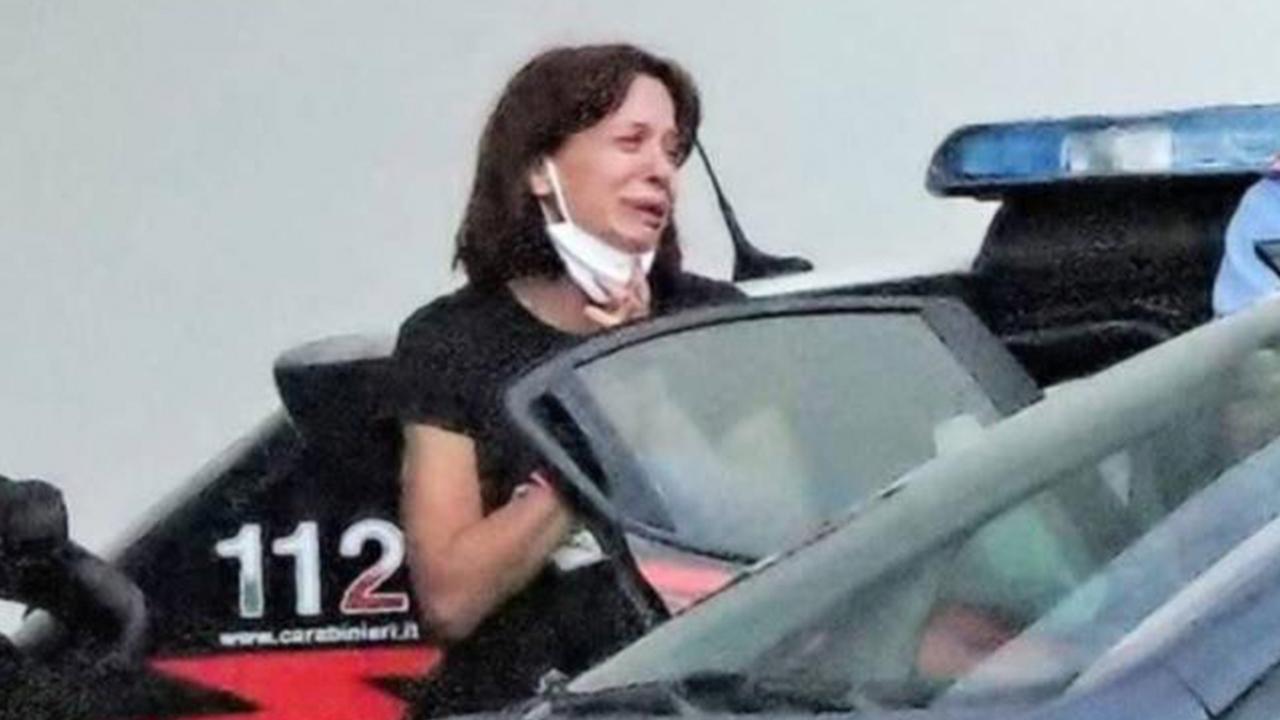 Dejó su cuerpo en un supermercado: mujer asesinó a su bebé de 2 años a puñaladas