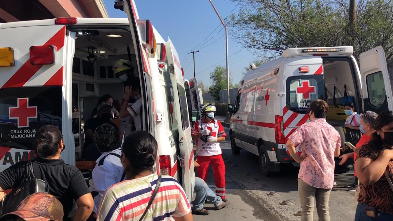 Terror a bordo…choque entre camiones deja a 45 pasajeros con golpes y con crisis nerviosa, hospitalizan a 10 en Monclova