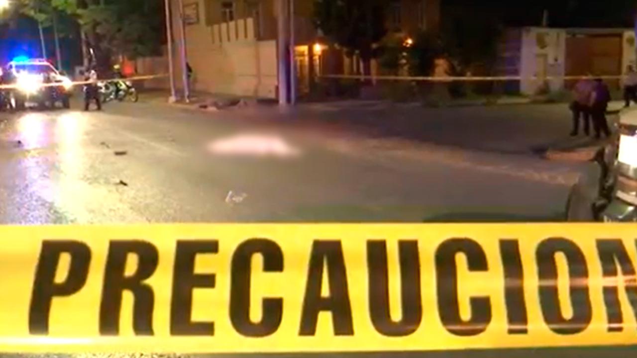Muere hombre en Saltillo: estampó su motocicleta contra un automóvil en la Hidalgo