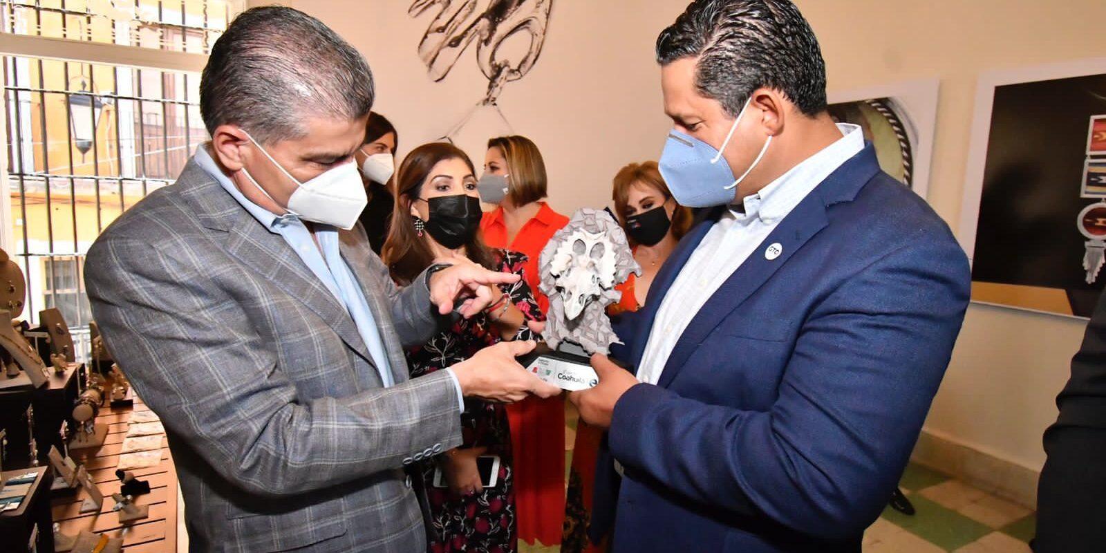 Inauguran Joyas Fósiles de Coahuila en el Festival Cervantino