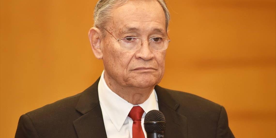 Higinio González Calderón, Secretario de Educación