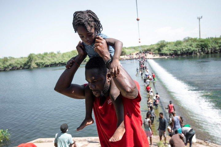 https://noticiasnrt.com/2021/10/15/vinculan-a-proceso-a-hombre-en-allende-por-trafico-ilicito-de-migrantes/