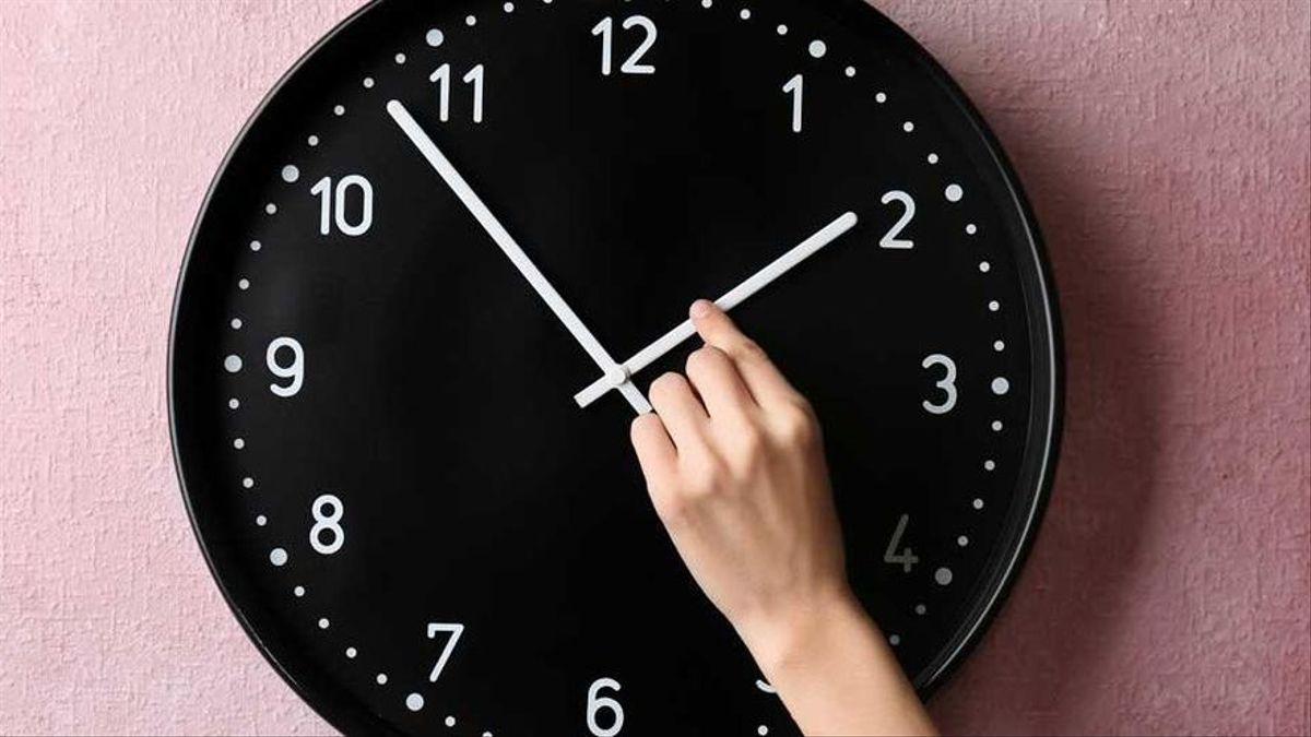 Ajusta tu reloj , llega cambio de horario