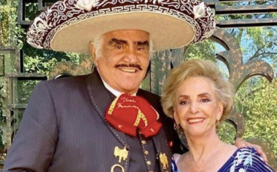 Cuquita no quiere desconectar a Vicente Fernández, asegura hijo del cantante